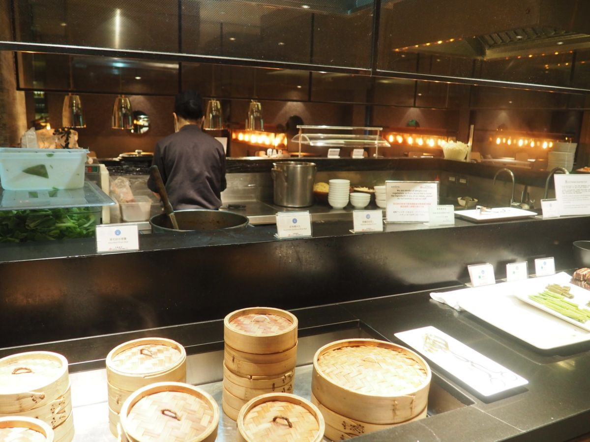 China Airlines lounge first class business class flights travel   Shades of Pinck